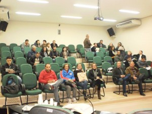 Mais de 20 alunos estão matriculados na formação.