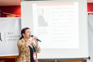 """Elisiane da Silva abordou a questão da """"Formação de Equipes para as Eleições Municipais de 2016""""."""